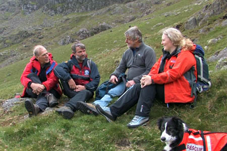 Mountain rescuers discuss hillwalking