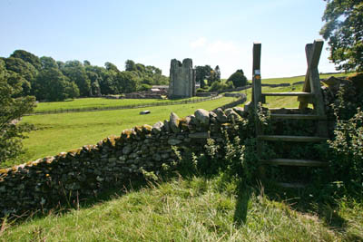 The approach to Shap Abbey