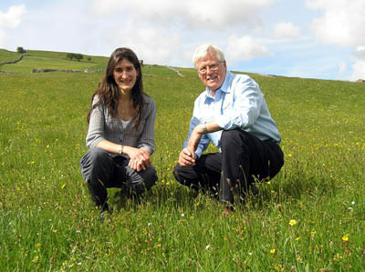 Pippa Rayner, the YDMT Hay Time Project officer, with John Craven
