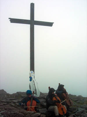 The Extreme Cellists play on Carrauntoohil's peak