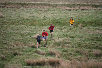 Hartell is pursued by the top runners during last year's race