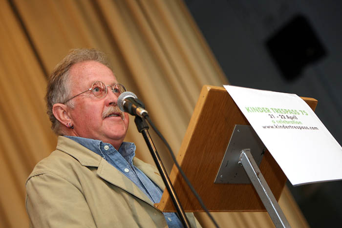 Mike Harding speaks at New Mills town hall
