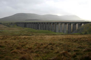 Ribblehead viaduct, with Ingleborough, Simon Fell and Park Fell behind it