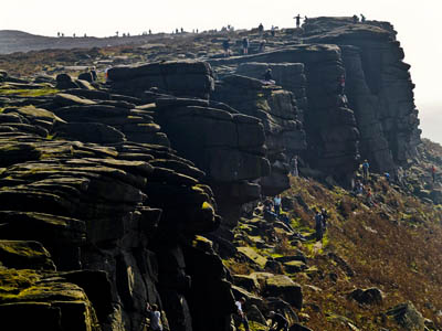 Walkers and climbers can access Stanage Edge from the Hathersage bus. Photo: Darren Copley CC-BY-2.0