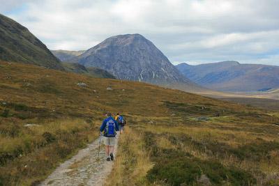 The West Highland Way approaches Buachaille Etive Mòr