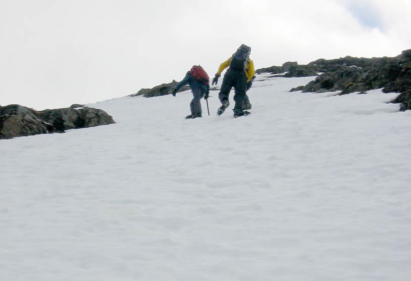 Winter skills: moving on steep snow