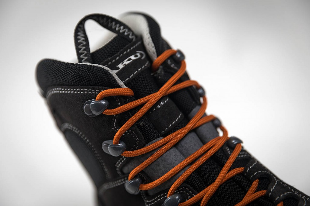 The lacing system allows separate tensioning for upper and lower parts of the boot. Photo: Bob Smith/grough