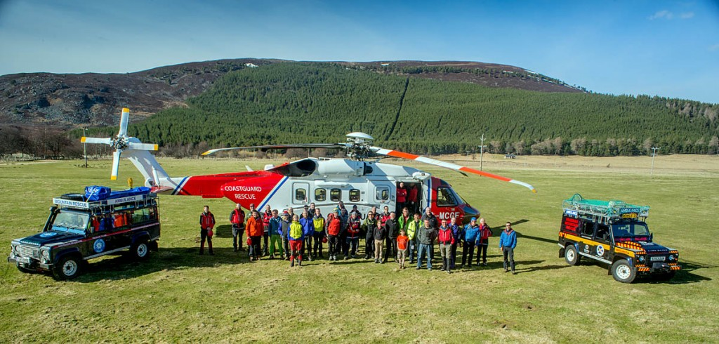 Aberdeen and Braemar Mountain Rescue Teams with the Coastguard S-92 crew during familiarisation training. Photo: Robert Reglinski