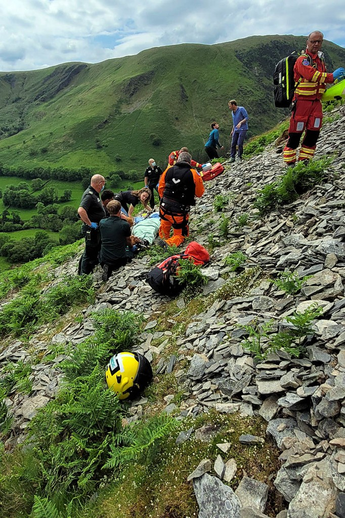 Rescuers and helicopter crews at the scene of the incident. Photo: Aberdyfi SRT