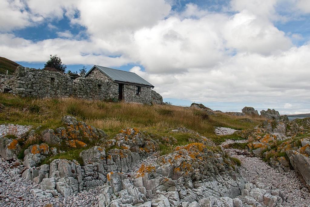 An Cladach bothy on Islay. Photo: Odd Wellies CC-BY-2.0