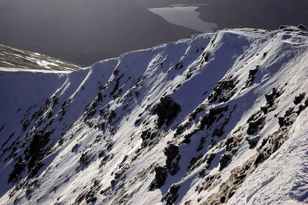 A ridge on Beinn a' Chaorainn. Photo: Colin Kinnear CC-BY-SA-2.0