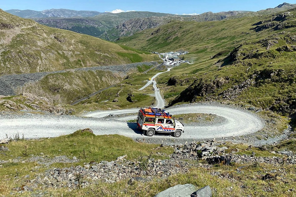 A team vehicle makes its way to Honister from Dubs Hut. Photo: Cockermouth MRT
