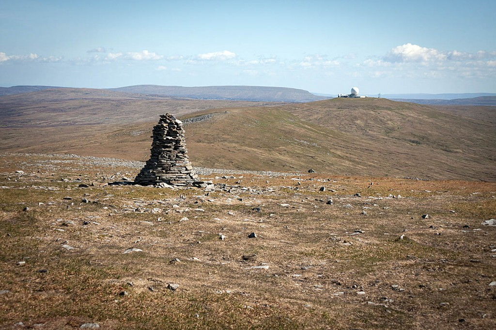 Looking south from the summit plateau of Cross Fell to Little Dun Fell and Great Dun Fell. Photo: Bob Smith/grough