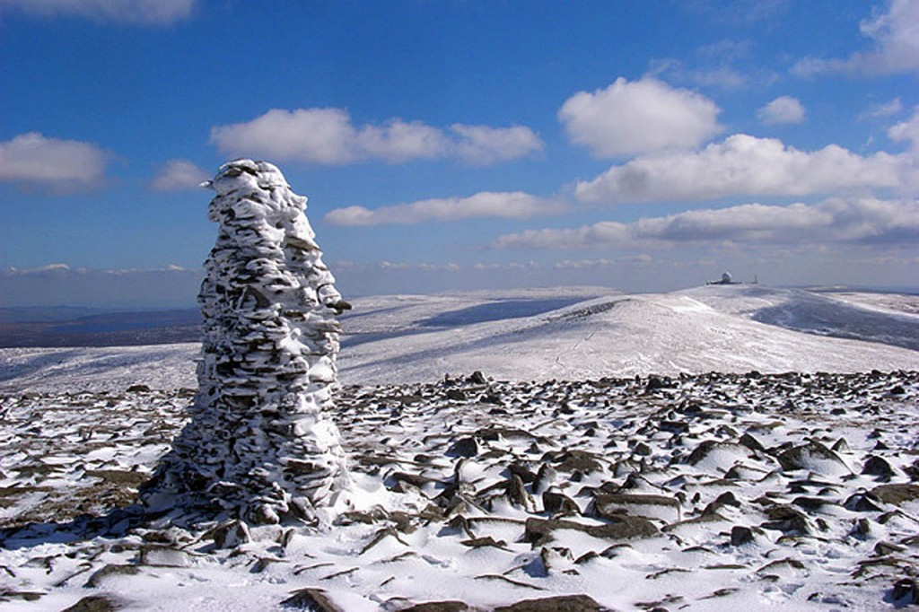 The summit of Cross Fell. Photo: Andrew Smith CC-BY-SA-2.0