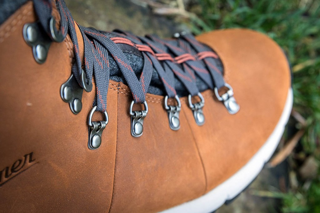 The uppers are full-grain leather and have metal lace loops and hooks. Photo: Bob Smith/grough