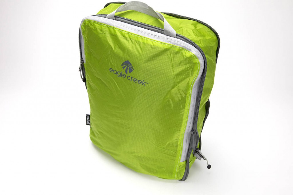 Eagle Creek Pack-it Specter Compression Cube. Photo: Bob Smith/grough
