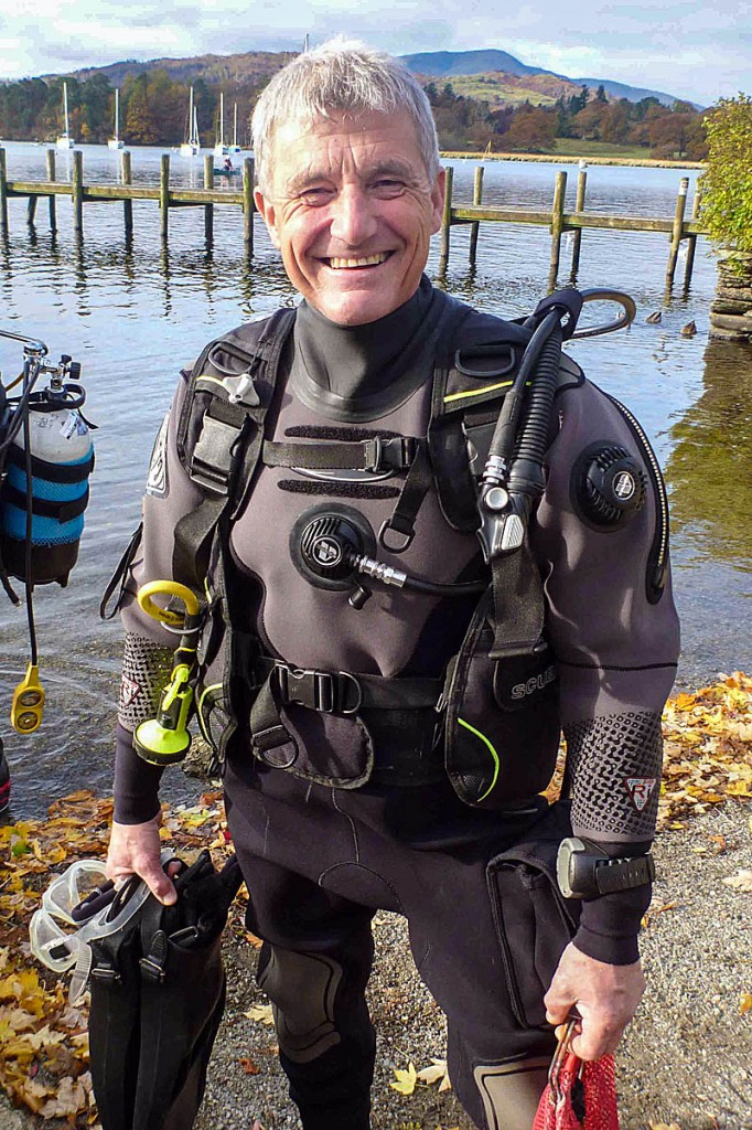 Paul Rose litter picking in Windermere during a dive