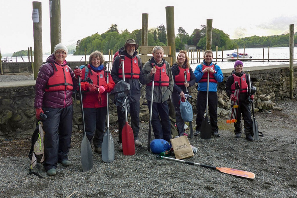 The canoe clean-up volunteers