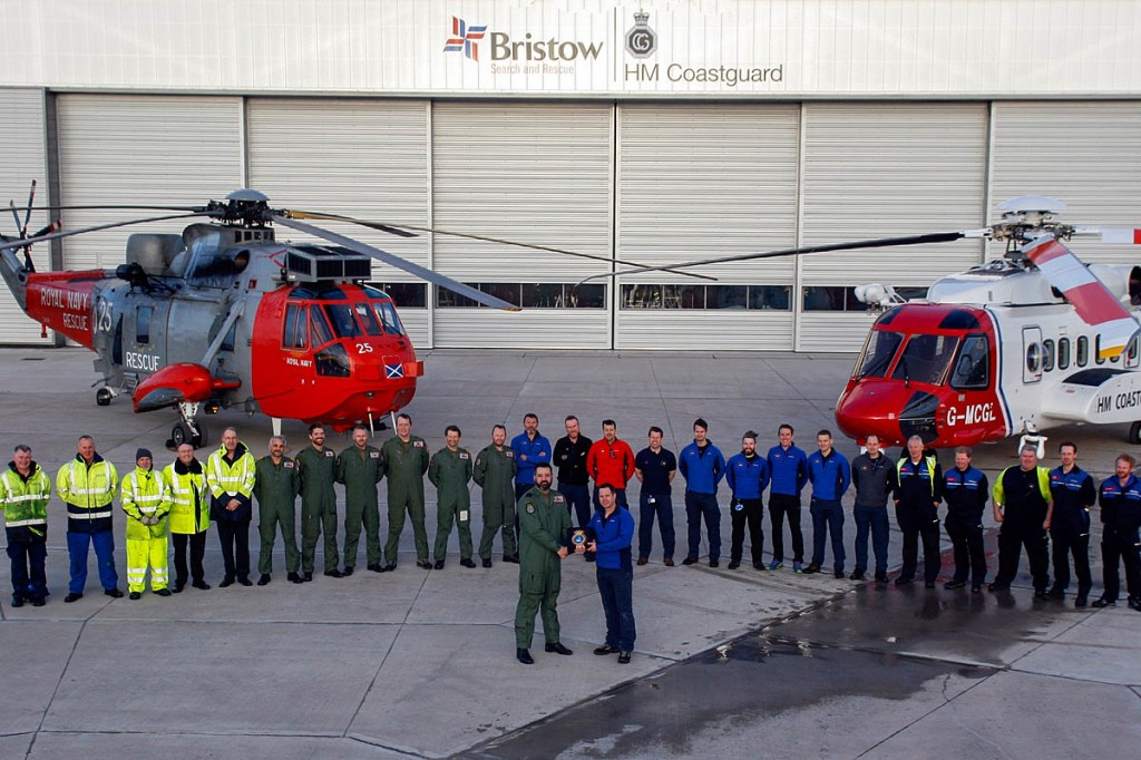 HMS Gannet hands over to Bristow at Prestwick