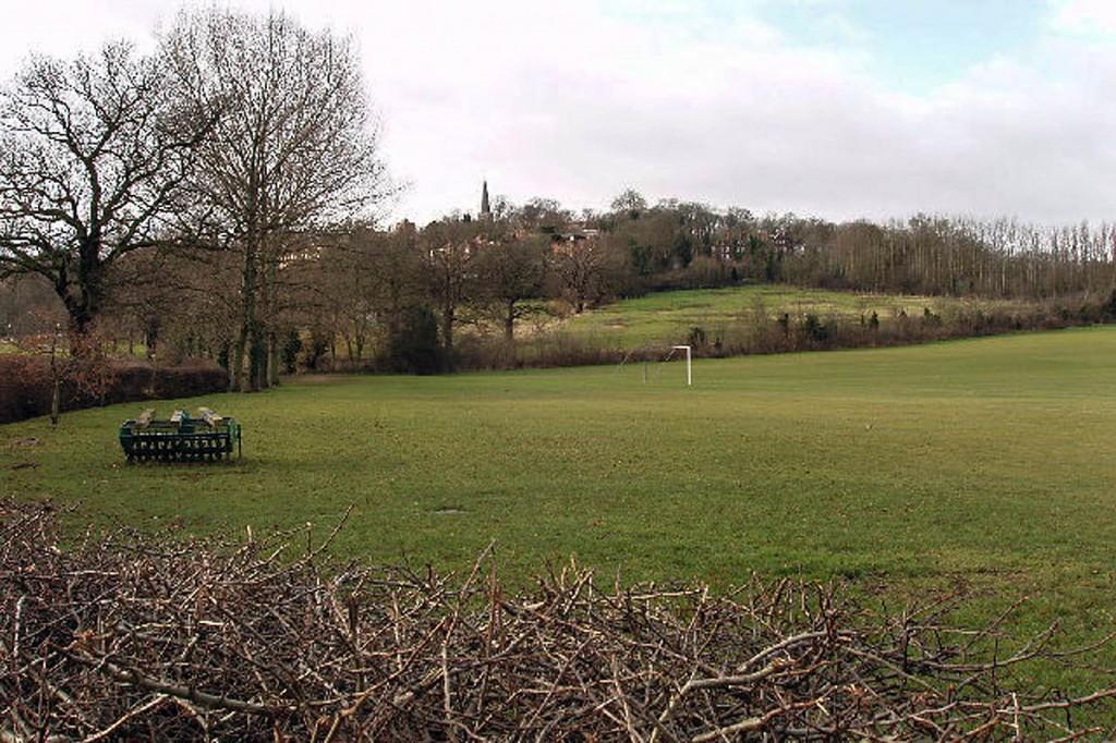 Harrow School playing fields, looking towards Harrow on the Hill. Photo: David Hawgood CC-BY-SA-2.0