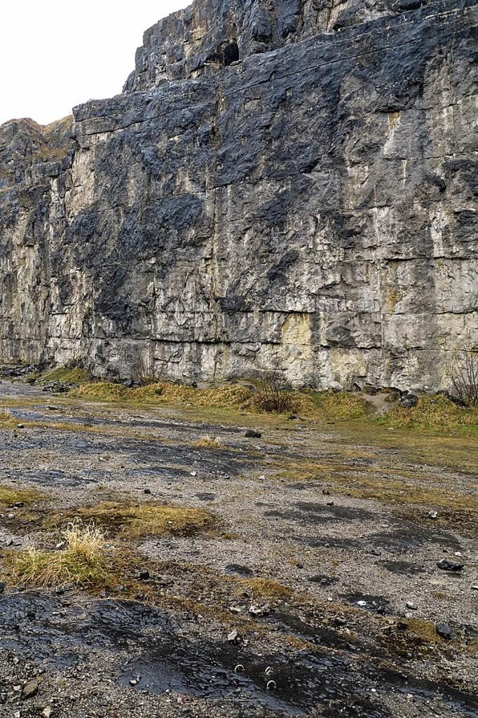 Horseshoe Quarry, Stoney Middleton. Photo: Trevor Littlewood CC-BY-SA-2.0