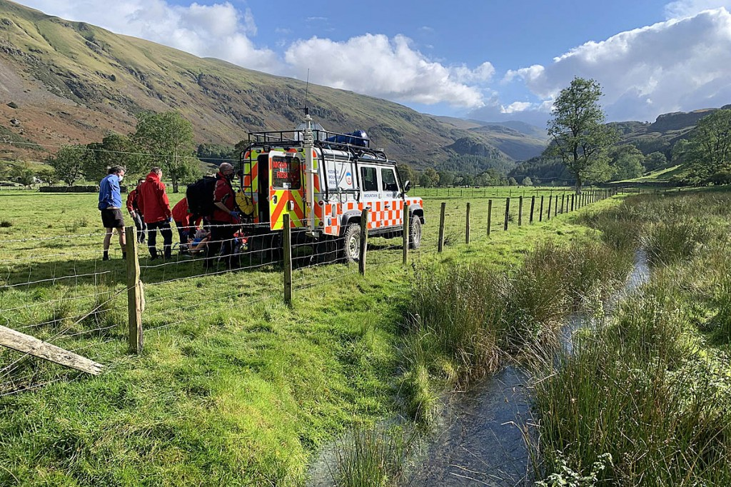 The team Land Rover was able to drive close to the scene. Photo: Keswick MRT