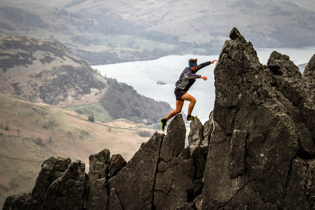 Charles Sproson ascends Pinnacle Ridge, the most technical part of the race route. Photo: Steve Ashworth/www.movieit.co.uk