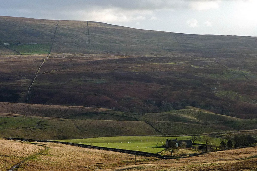 Leck Fell, scene of the rescue. Photo: Karl and Ali CC-BY-SA-2.0