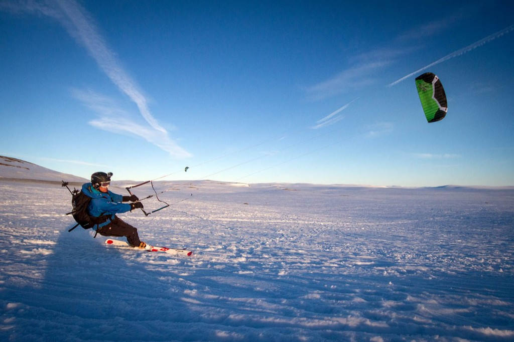 Leo Houlding in action snowkiting