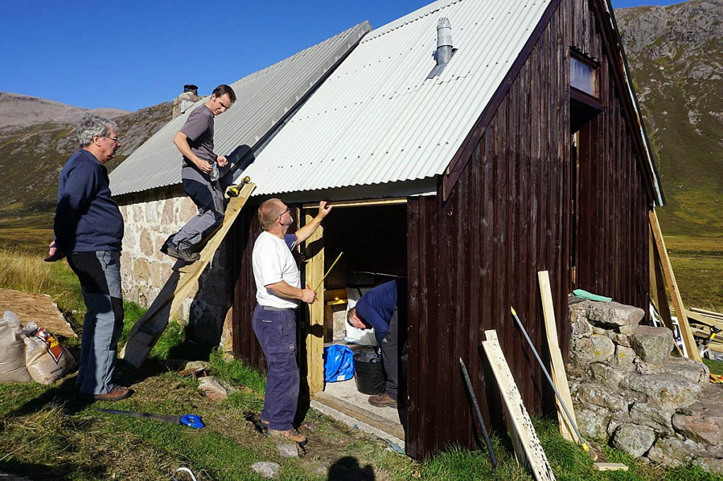 Volunteers work on the new toilet facilities. Photo: Neil Reid/MBA