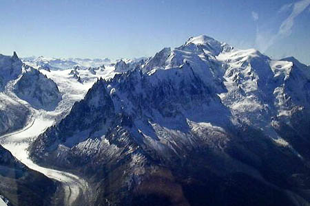 Mont Blanc. Photo: Zulu CC-BY-SA-3.0
