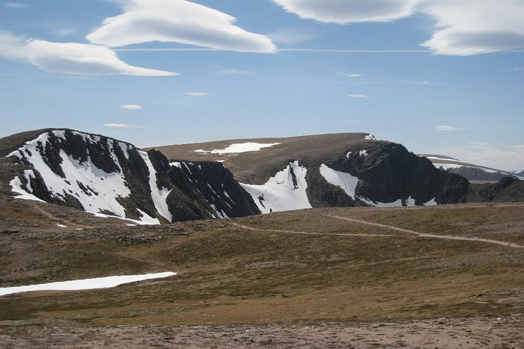Coire an-t Sneachda, scene of the two incidents. Fingers Ridge is in profile in the centre of the photo and Pygmy Ridge can be seen profiled to its left. Photo: Mountaineering Scotland