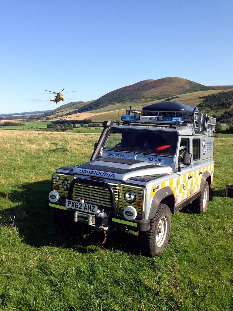 Mountain rescuers at the scene as the RAF Sea King approaches. Photo: Northumberland National Park MRT