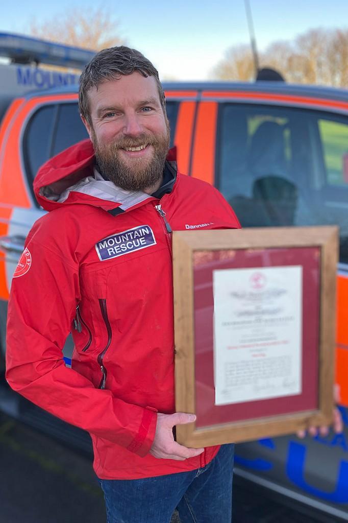 Stuart King with his award. Photo: NNPMRT