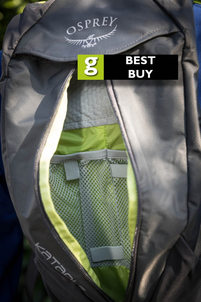 The main compartment has mesh pockets and elastic loops for gear. Photo: Bob Smith/grough