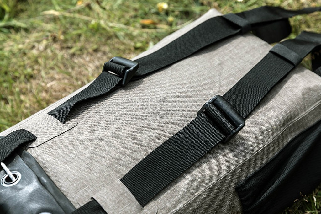 The harness uses simple webbing straps. Photo: Bob Smith/grough