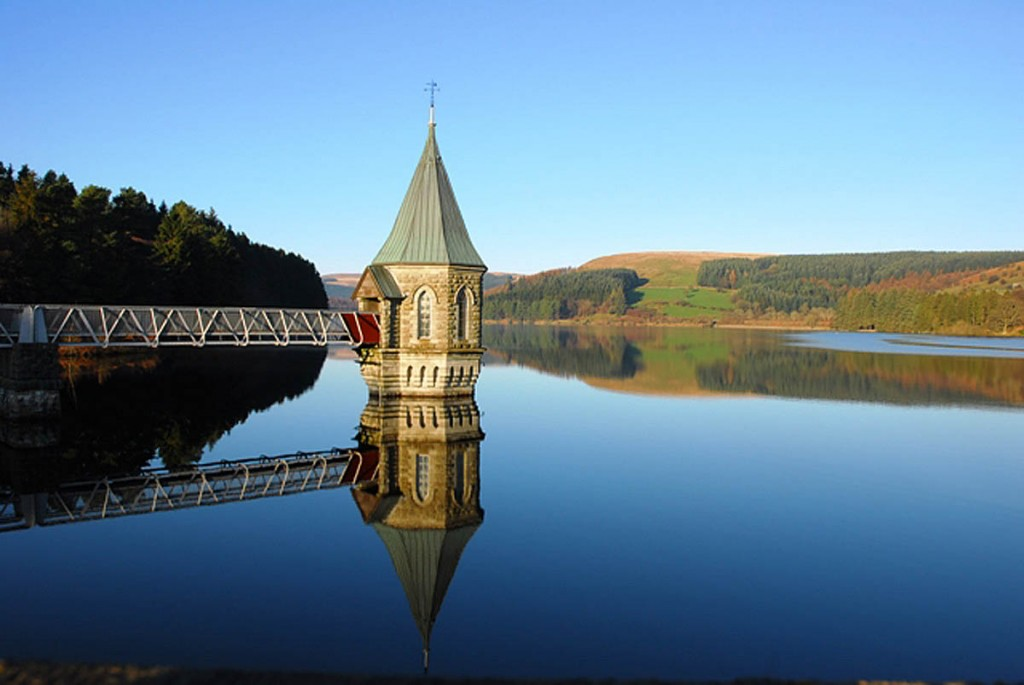 Part of Pontsticill Reservoir in the Brecon Beacons is now out-of-bounds. Photo: Ray Jones CC-BY-SA-2.0