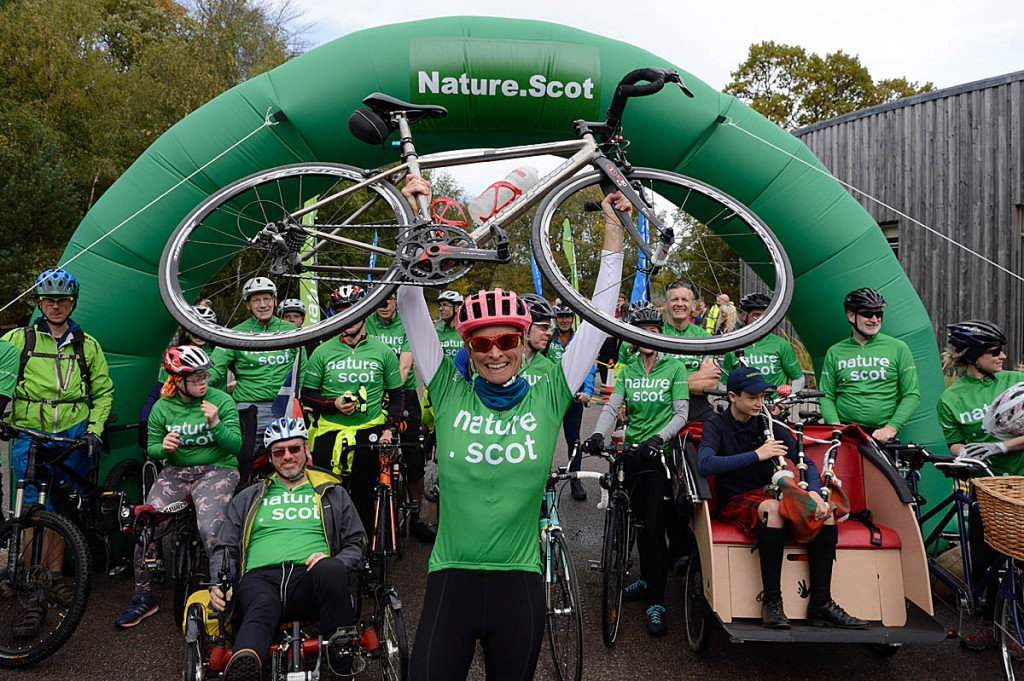 Francesa Osowska celebrates completing her ride. Photo: Lorne Gill/SNH