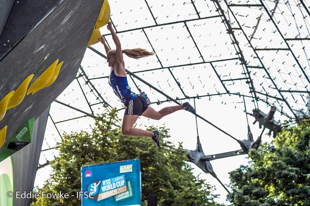 Shauna Coxsey in action at Munich. Photo: Eddie Fowke/IFSC