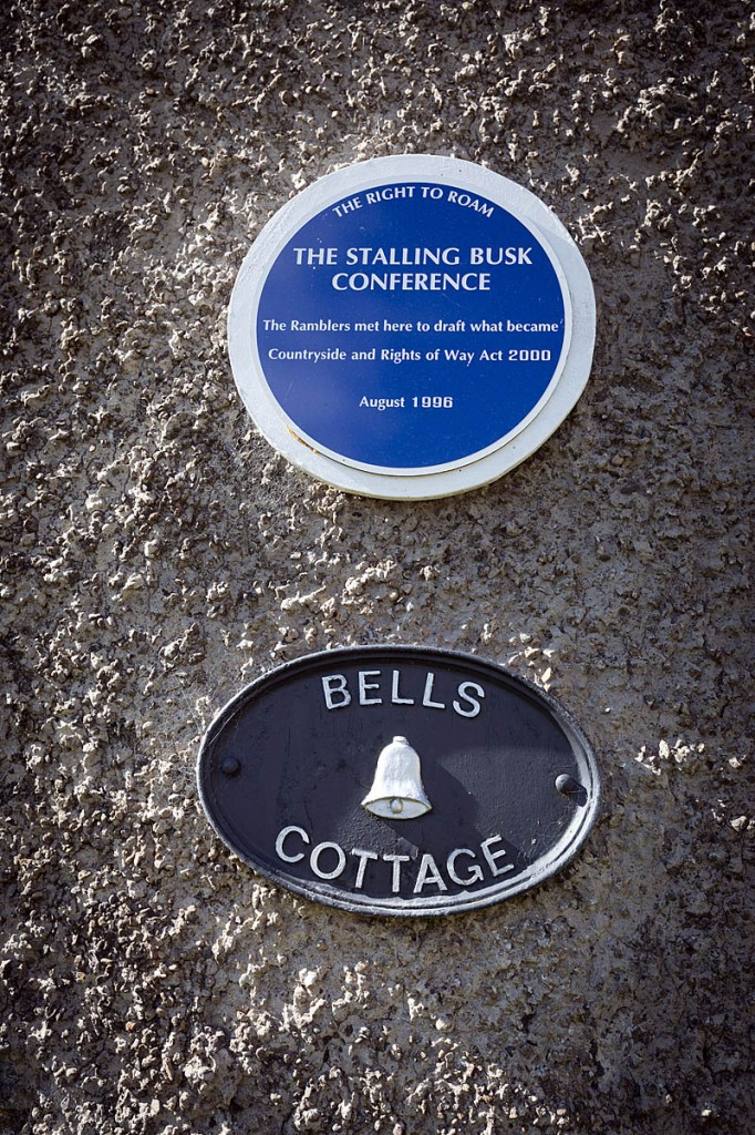 The plaque on Bell's Cottage, Stalling Busk, commemorating the 1996 meeting. Photo: Bob Smith