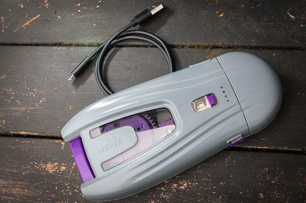 The Unibank powerbank comes with a micro-USB lead. Photo: Bob Smith/grough