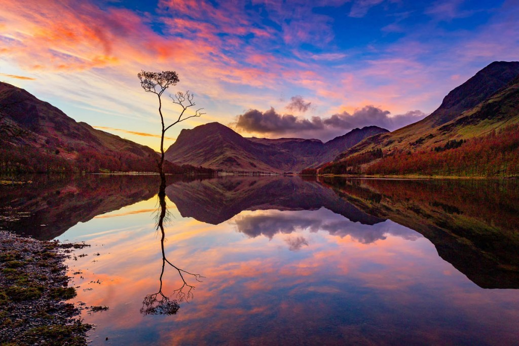 The winning shot of Buttermere at dawn. Photo: Les Ellingham
