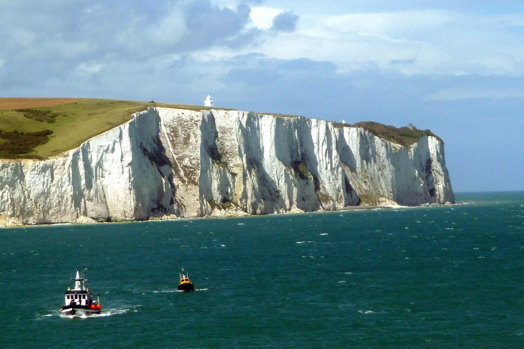 The latest section of the coast path includes the White Cliffs of Dover. Photo: Immanuel Giel CC-BY-SA-3.0