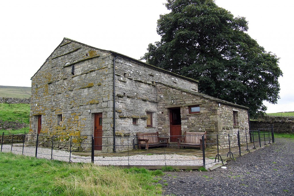 Tim's Barn near Gayle. The railings, flags and gravel drive will be removed. Photo: Yorkshire Dales NPA