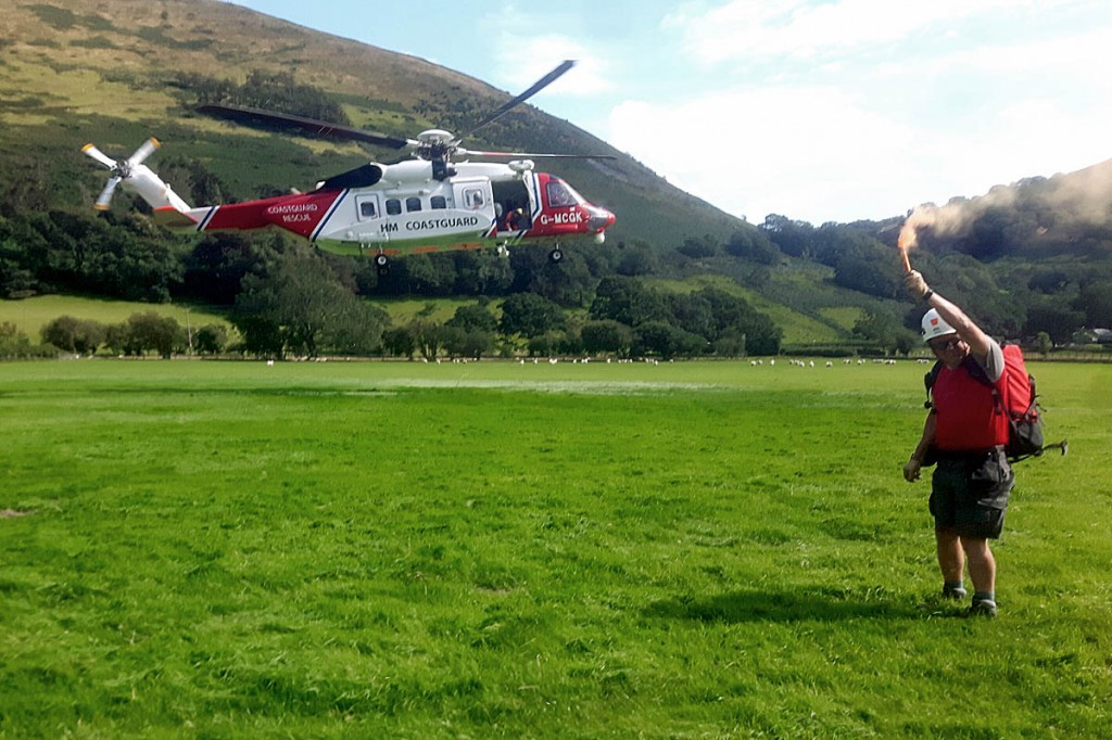 The Caernarfon Coastguard helicopter comes in to land at Minffordd. Photo: Aberdyfi SRT
