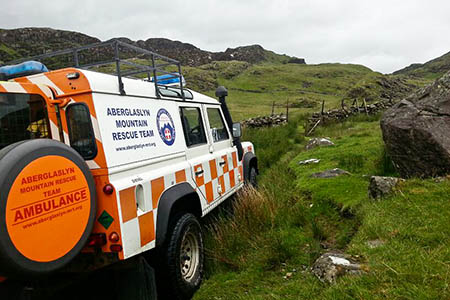 The uninjured DofE team members were airlifted to a waiting Aberglaslyn Mountain Rescue Team Land Rover. Photo: Aberglaslyn MRT