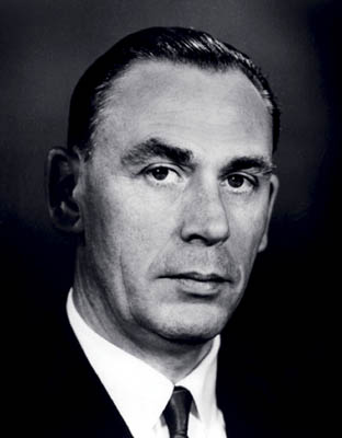 Dr George King