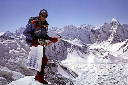 Alan Hinkes with that carrier bag on Lhotse. Photo: Alan Hinkes
