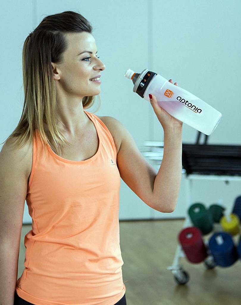 The Aptonia Double Use system allows both plain water and sports drink to be drawn from the same bottle