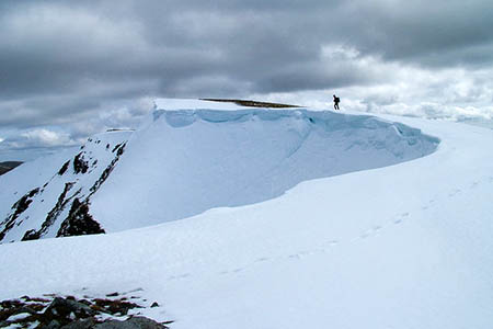 The climber fell through a cornice on Beinn Eibhinn. Photo: David Brown CC-BY-SA-2.0